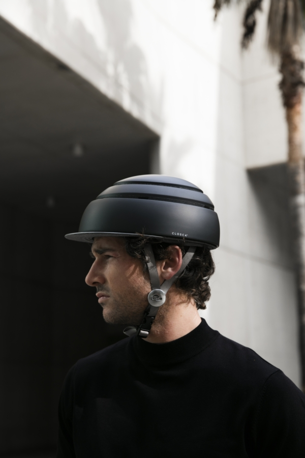 Lifestyle picture of Foldable Helmet Closca Fuga S